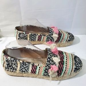 CROWN VINTAGE Kalani Round Toe Canvas Espadrilles